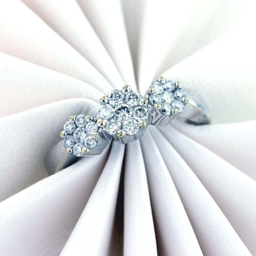 .75 carat total weight, 14 kt white gold